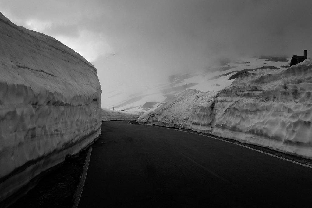 asoggetti-gavia-pass-snow-june-2019.jpg