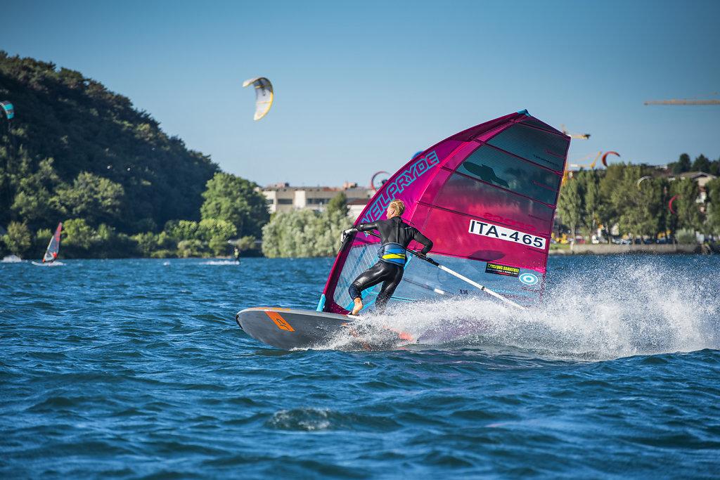 asoggetti-jibing-windsurfer.jpg