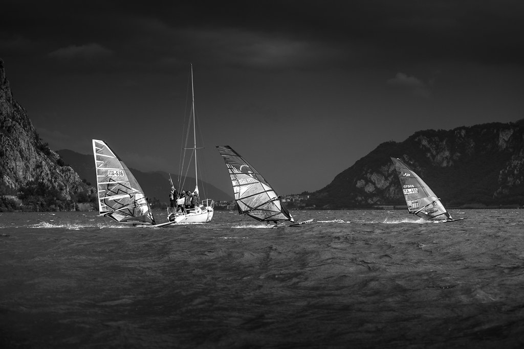 asoggetti-windsurfers-blackandwhite.jpg